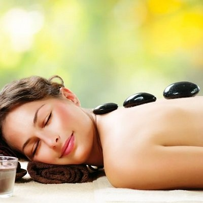HOT STONE MASSAGE COURSES AT ELITE BEAUTY SCHOOL IN HERTFORDSHIRE AND ESSEX