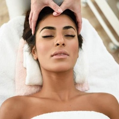 INDIAN HEAD MASSAGE TRAINING ELITE SCHOOL OF BEAUTY THERAPY IN HERTFORDSHIRE