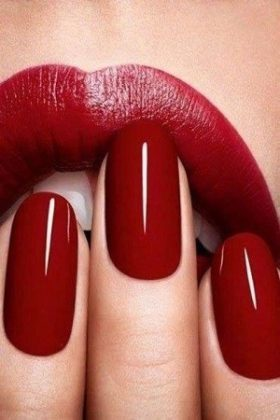 Nail extensions courses in Hertfordshire Essex at top beauty school