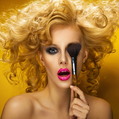 THE BEST MAKE UP COURSES AT TOP BEAUTY SCHOOL IN HERTFORDSHIRE